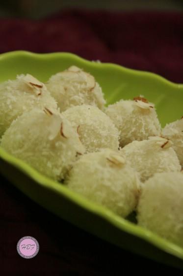 coconut-laddoo