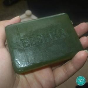 Eeshha-Herbal-Moisturising-natural-bathing-bar-review